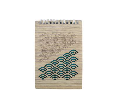 یادداشت فنری سایز 16*12 جلد چوبی طرح فانتزی هیرون